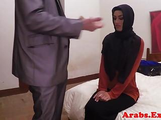 Arab habiba fucked like a whore for topping