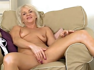 Supreme mature woman is playing herself