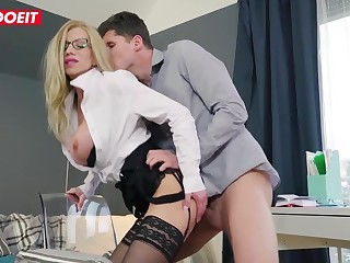 Lara De Santis is a highly stringent manager, but occasionally she solely needs a naughty vertical