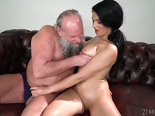 Old fart enjoys fucking eye catching seductress with natural boobs Ava Unconscionable