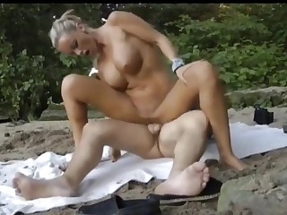 Guy Fucks Busty Become man At one's fingertips Run aground And Cum Her Mouth