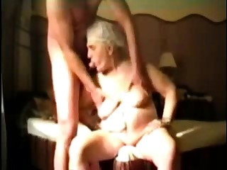 Busty Granny in webcam