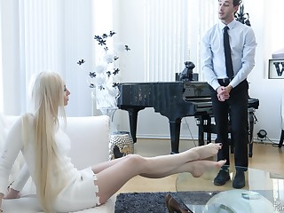 Bossy blonde MILF Natasha James apply pressure on her pussy being fucked now