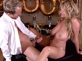 Great sexual affair with alluring blonde Kelly Madison