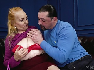 Chubby wrinkled pale old spitfire Marianne wanna ride strong cock on top