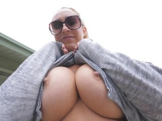 Buxomy blond is displaying will not hear be advantageous to phat bosom roughly front be advantageous to the camera, to a naughty stranger