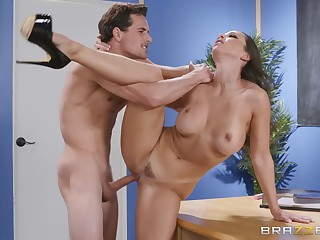 Juicy brunette needs to be punished for demolition the lesson