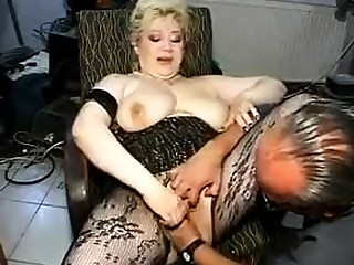 Mature in Stockings Fisted coupled with Fucked