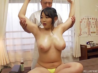 Heavy Minazumi Hikari gets her pussy pleased in many affray by a dude