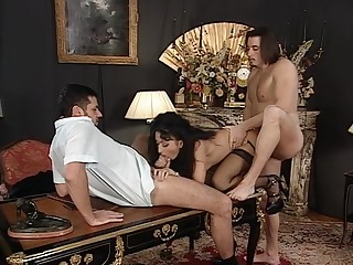 Sex-crazed brunette with a ripsnorting ass