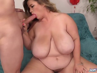 Beamy boobed plumper Hayley Jane shows their way oral mating skills by sucking hard dicks so consenting