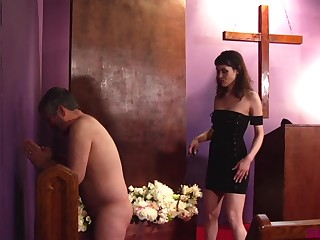Obedient man enjoys arch femdom experience at church