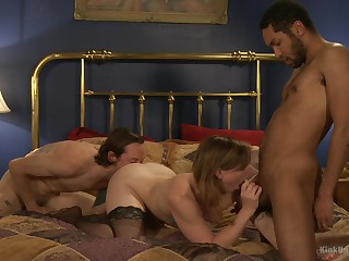Threesome in insulting porn scenes for the amateur wife