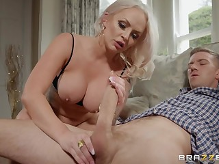 Hardcore old added to young pussy fuck fro Louise Lee & Danny D
