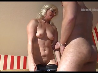 Mature German PAWG wants some baffle muscle and she is so inviting