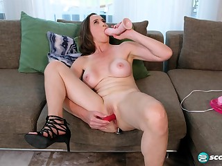 Lilly James - A mommy masturbation Forth Toyland
