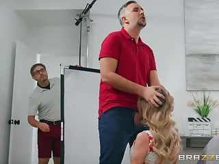 Pornstar spliced Linzee Ryder wants to be fucked wide of her husband