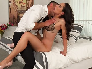 Hardcore anal dealings for the needy wife