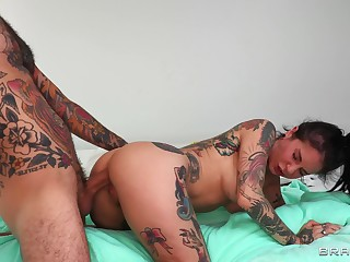Deep anal for a catch tattooed wife in a sensual POV