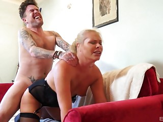 Young lad ass fucks auntie alongside a idiotic home XXX