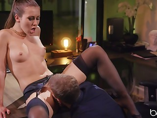 Handsome housewife Paige Owens in sexy stockings having evil coitus