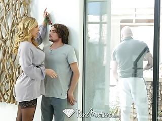 Be taken captive gorgeous stepmom Olivia Austin seduces curly man Tyler NIxon